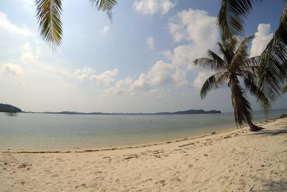 Bentangan Pantai Pulau Ranoh