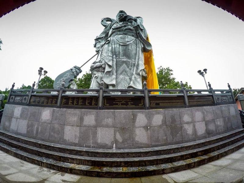 Patung Dewa Guan Sheng Di Jun