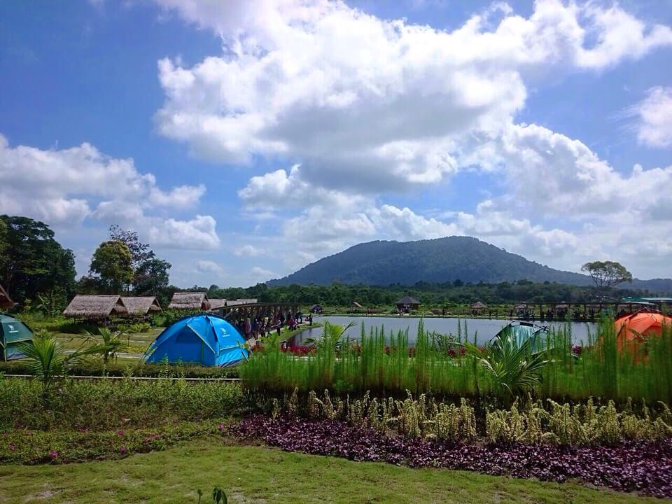 View Gunung Bintan dari Pemancingan Poyotomo