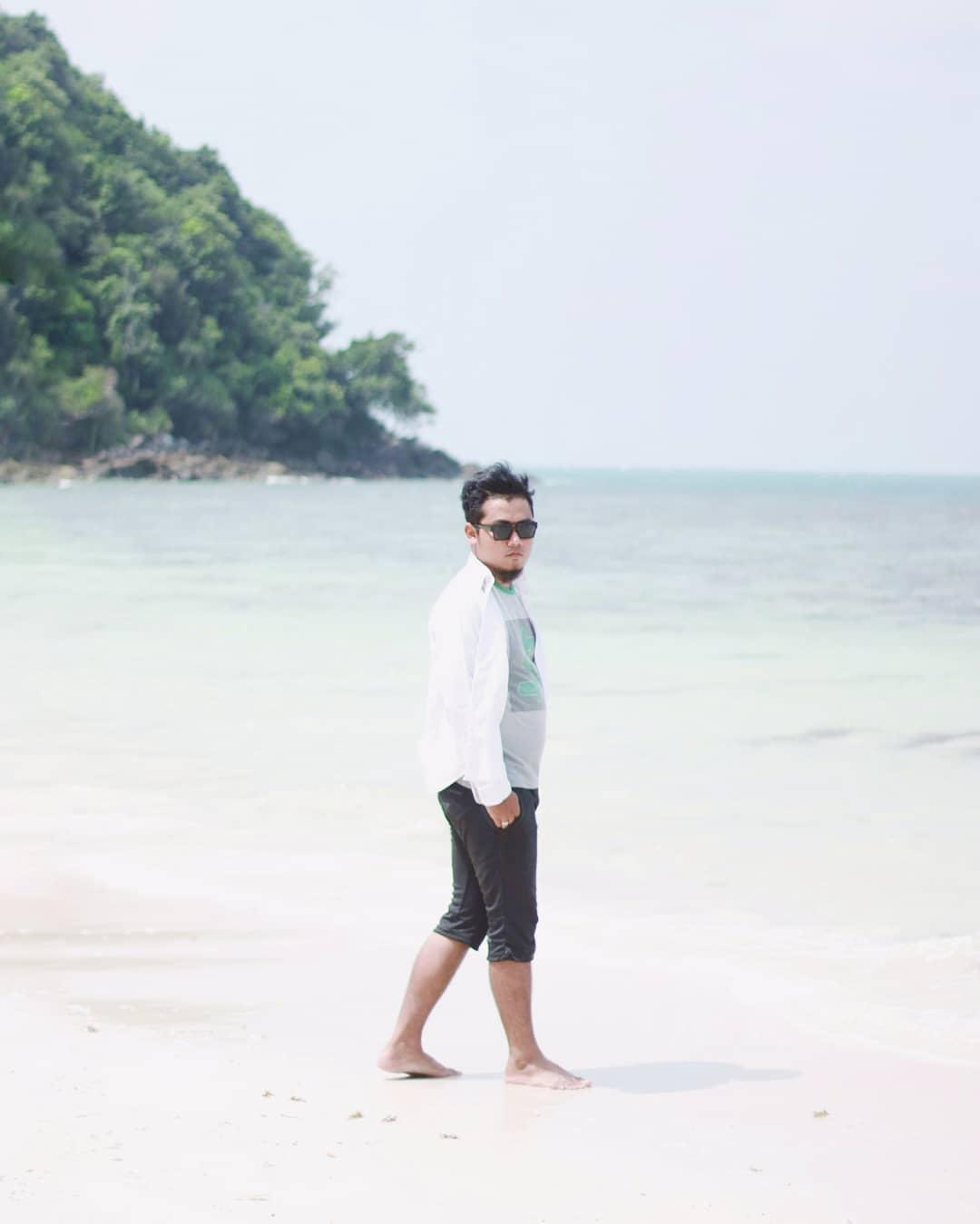 Saya di Khairah Beach Pulau Pengalap
