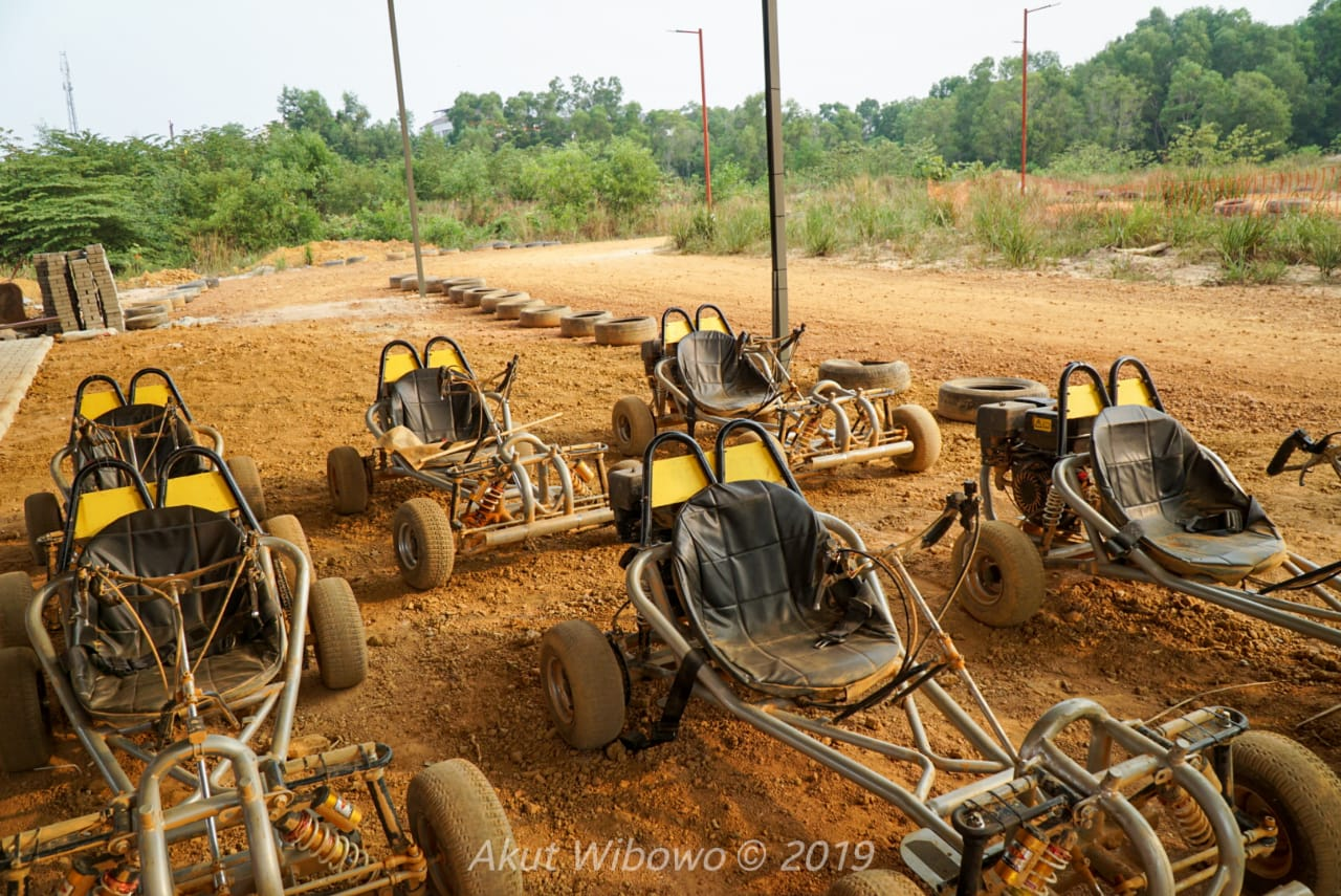 Dirt kart yang ready di pitstop